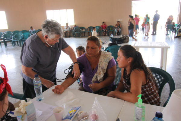 Mary Laura Norman Taking Blood Presure Guatemala April 2017IMG_5848